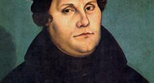 <div class='sliderHolder'> <span class='bigSpan'>Martin Luther</span> <div class='smallSpan'> Sebelumnya keadilbenaran Allah telah memenuhi aku dengan kebencian, sekarang itu menjadi manis tak terkatakan dalam kasih yang besar.</div> <a class='btnMore' href='http://www.pemulihan.or.id/articles/read/martin-luther'></a></div>
