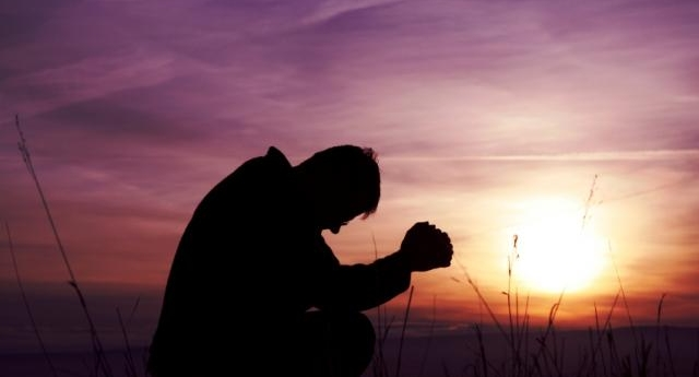 <div class='sliderHolder'> <span class='bigSpan'>Syarat Pengabulan Doa</span> <div class='smallSpan'> Selama hidupnya di dunia orang Kristen mempunyai satu hak utama, yaitu hak memperoleh pengabulan doa</div> <a class='btnMore' href='http://www.pemulihan.or.id/articles/read/syarat-pengabulan-doa'></a></div>